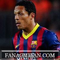 Милан нацелен на Адриано: защитник Барселоны хочет сменить клуб