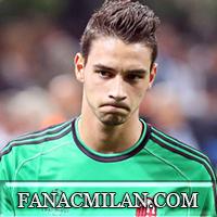 Де Шильо всем нравится, но Милан держит его