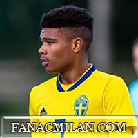 Новый трансфер Милана - Эмиль Робак
